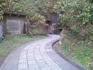 観音崎トンネル20111216